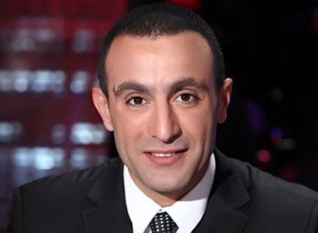 صورة ظهور نادر لأحمد السقا مع زوجته