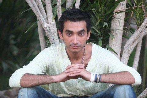 صورة نادر حمدي يكشف عن والدته..و عن مشاركته فى مسلسل قديم