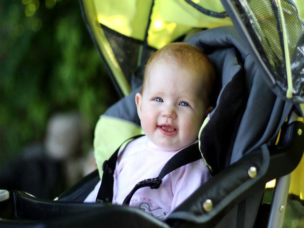 صورة دراسة: جلوس الأطفال في مقاعد السيارة يسبب ضيق في التنفس
