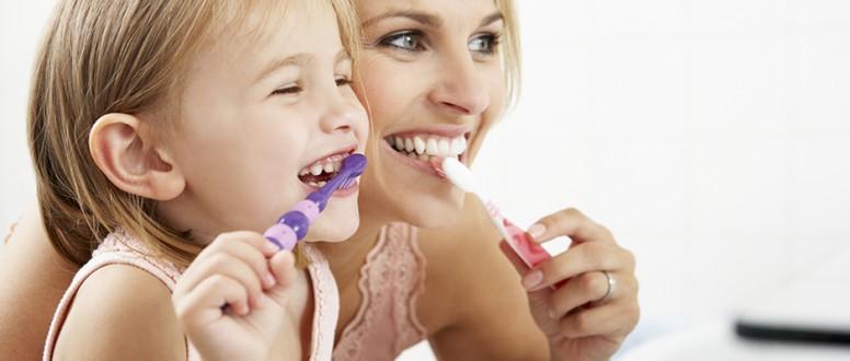 صورة مركب طبيعي لعلاج تسوس الأسنان بديلًا عن المعجون ..النتيجة مذهلة