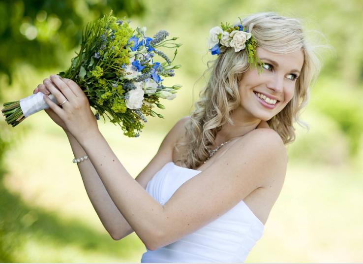 صورة تسريحات جديدة لشعرك ستجعلك أميرة متوجة في فرحك