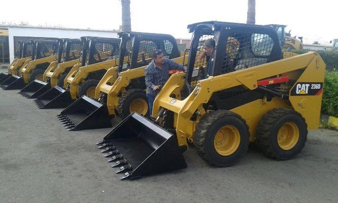 صورة محافظ الشرقية: دعم منظومة النظافة بـ6 لوادر جديدة بتكلفة 3 مليون