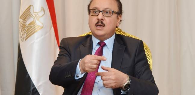 صورة وزير الاتصالات : لا تأثير لتعويم الجنيه على رخص الجيل الرابع
