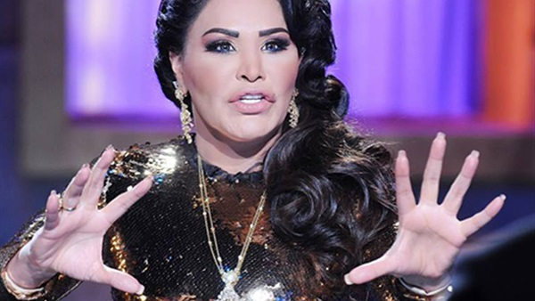 صورة بالفيديو.. متسابق بـ« عرب أيدول» ساخرا من أحلام: «بتاكلي كنتاكي»