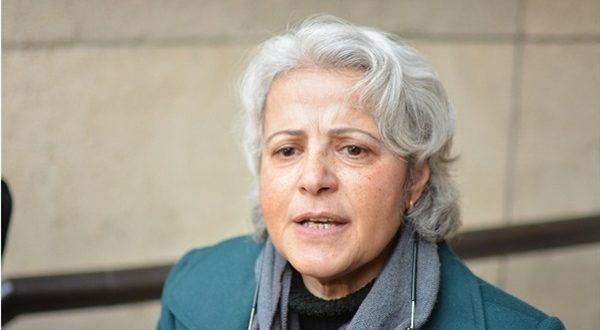 صورة تعليق منى مينا على قرار استدعائها من النيابة