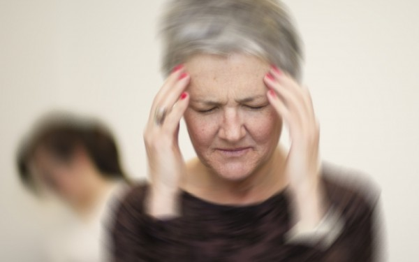 صورة 5 أسباب لاتعرفها عن مرض العصر..«دوار الرأس»
