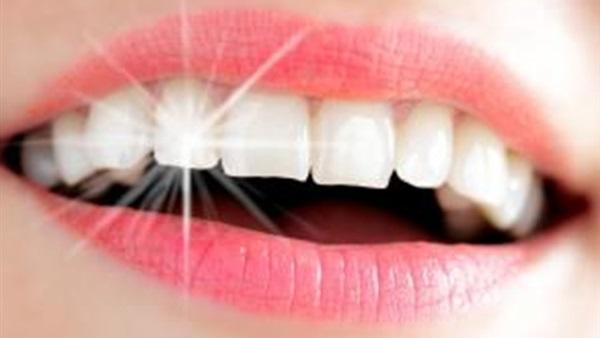 صورة تخلص من جير الأسنان بهذه الطريقة .. لا تحتاج لجلسات تنظيف
