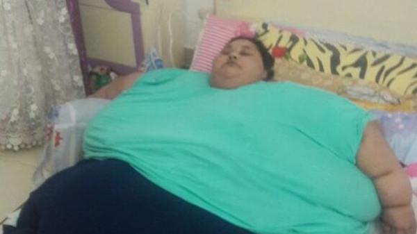 صورة «الهند» تنقص مصرية 500 كيلو من وزنها.. والسبب «تويتر»