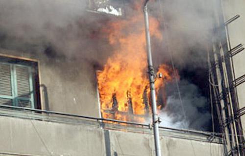 صورة السيطرة على حريق في شقة بالعاشر من رمضان
