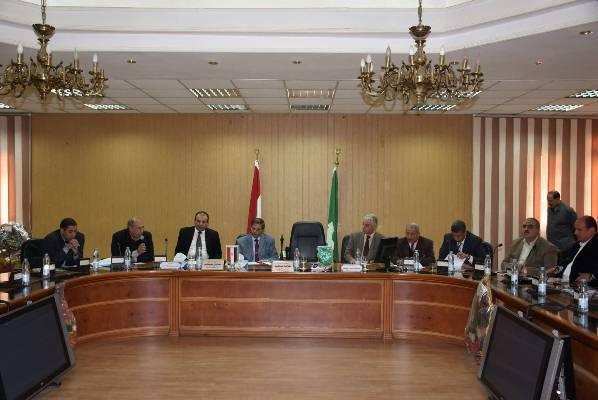 صورة نائب محافظ الشرقية يلتقى بنواب البرلمان لعرض مشاكل المواطنين