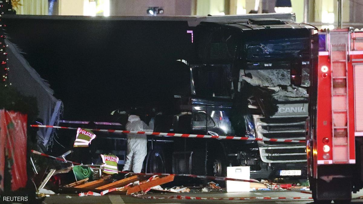 صورة هجوم برلين «متعمد».. ومعلومة «مخيفة» عن سائق شاحنة الموت