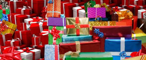 صورة للأباء .. 8 هدايا ممكن تقدمها لطفلك غير اللعب .. تجعلهم يحبونك