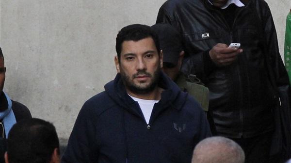 صورة إسلام البحيري: «دخلت الحبس الانفرادي بإرادتي.. ومأمور السجن قال لي مش هتستحمل»