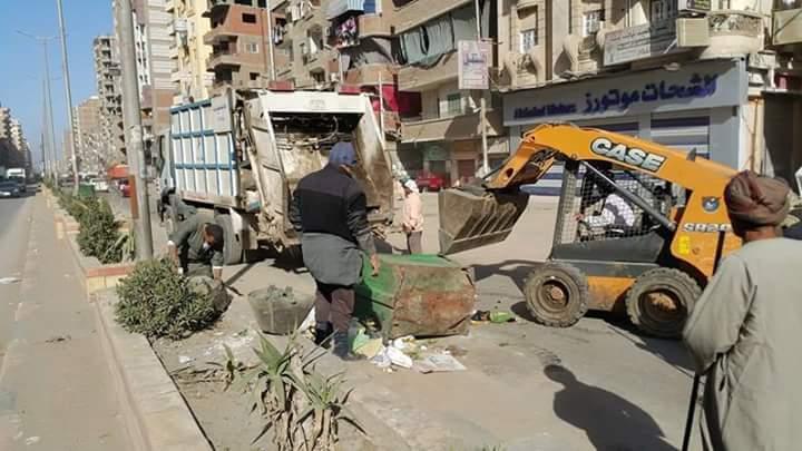 صورة بالصور .. استمرار حملات النظافة بشوارع مدينة الزقازيق