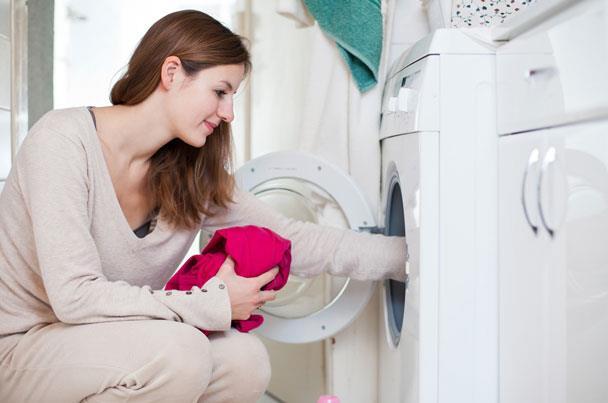 السبب.. أغسلي ملابسك الحديدة قبل ارتدائها