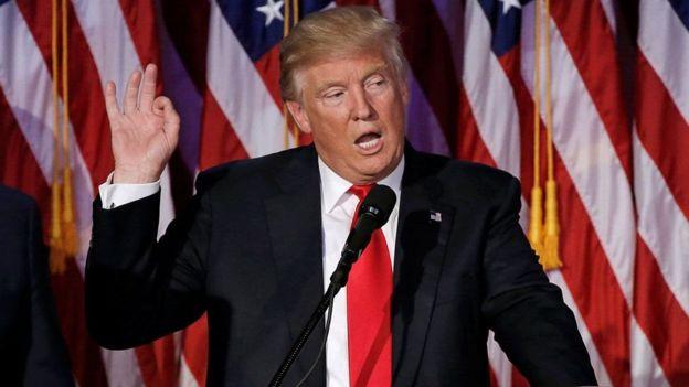 صورة واشنطن تقاضي ترامب لأول مرة وتدعو الكونجرس لمحاسبته