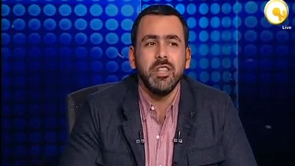 صورة بالفيديو.. لحظة بكاء يوسف الحسيني بعد إيقاف برنامج إبراهيم عيسى