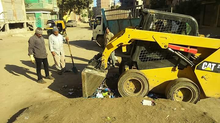 صورة بالصور .. حملات مكثفة لرفع كفاءة النظافة بشوارع فاقوس