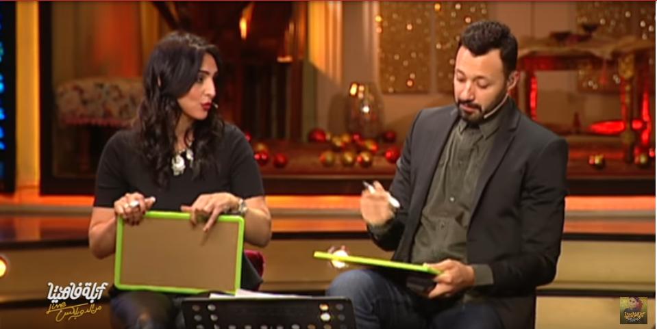 صورة بالفيديو. لعبة اختبار الطلاق بين أحمد فهمي وزوجته