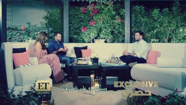 صورة بالفيديو.. أمريكي يفاجئ مذيعة عربية بخاتم الخطوبة على الهواء: اندهشت مريم بالمفاجأة