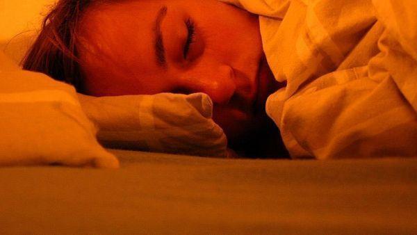 في النوم لأكثر من تسع ساعات يضاعف خطر ألزهايمر2