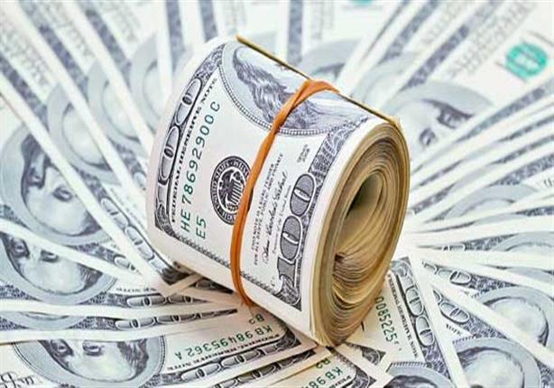 صورة خبراء: انخفاض الدولار مؤقت ولن يساهم في انخفاض أسعار السلع