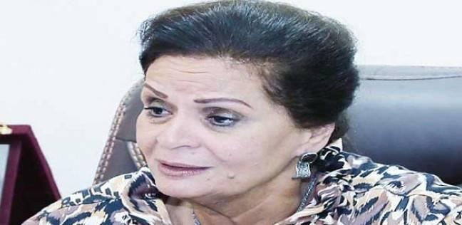صورة أول سيدة تشغل منصب المحافظ .. نادية عبده «سيدة الصفوف الأمامية»