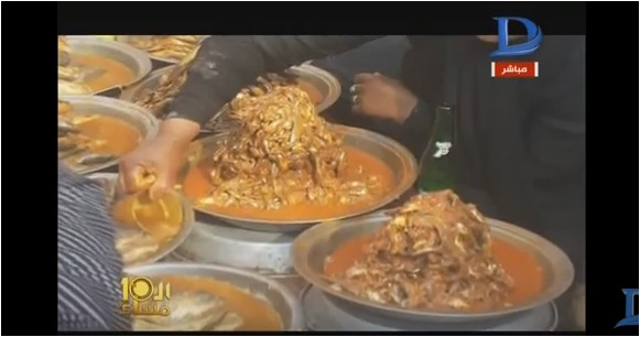 صورة بالفيديو.. بعد ارتفاع الأسعار.. انتشار أسواق «بقايا الطعام» الغير صحي