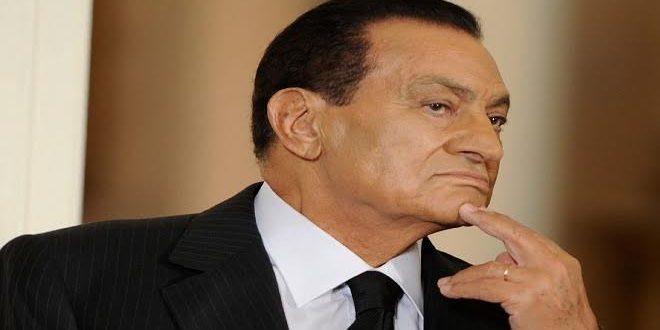.. مفيد فوزي لهذا السبب رفض «مبارك» الحديث عن والديه