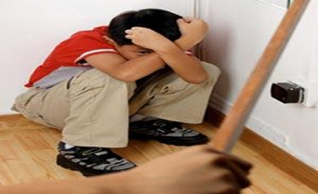 صورة «نجدة الطفل»: زوجة أب تعذب طفل عمره 11 عاماً