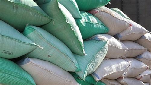 40 طن أعلاف حيوانية داخل شركة بدون ترخيص بمنيا القمح