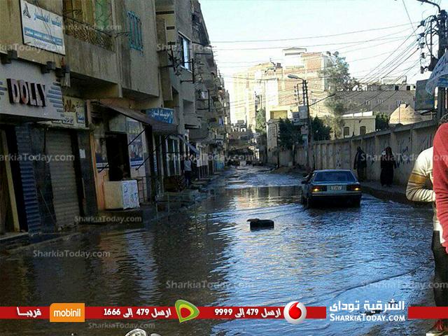 صورة إستياء أهالي مركز فاقوس من تأخر شفط تراكمات مياه الأمطار من الشوارع