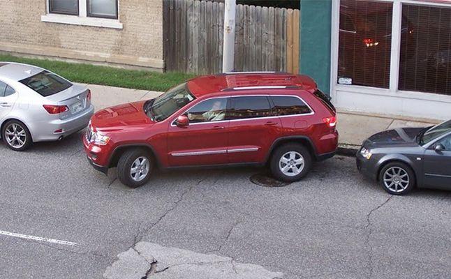 إليك الطريقة الأسهل لـ«ركن» السيارة بدون مشاكل