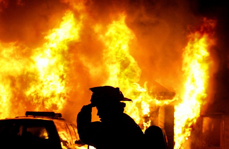 كهربائي يتسبب في حريق منزل بأولادصقر