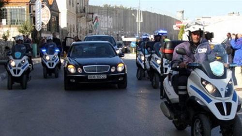 صورة مذيعة لـ «الوزراء» : «مطالبوش الناس بالتقشف .. وعربياتكو بتكلفنا ملايين»