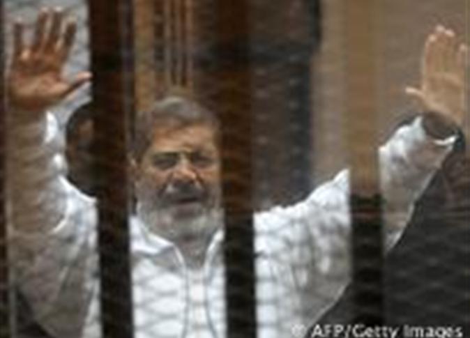 صورة مرسي لقاضي محاكمته بـ«اقتحام السجون»: «أنا رئيس الجمهورية»