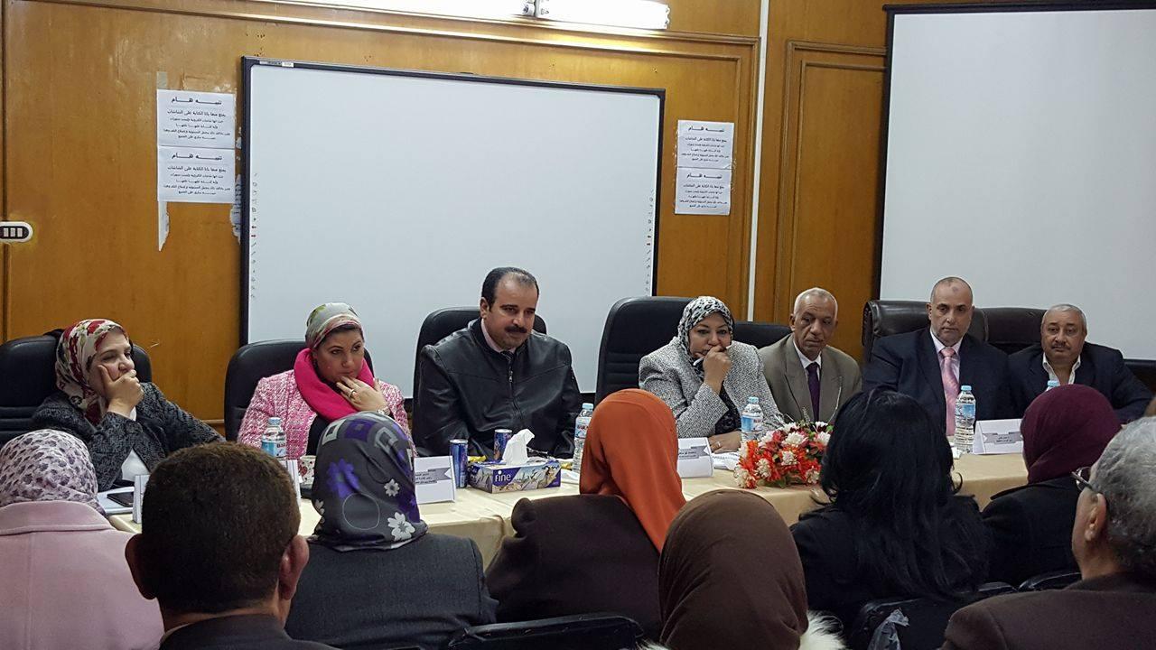 صورة مساعد وزير الصحة تتفقد وحدات تنظيم الأسرة بالشرقية