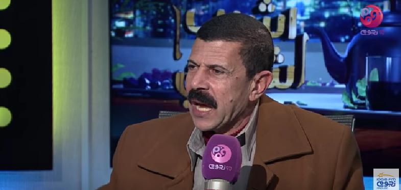 صورة بالفيديو.. نقيب الزبالين: بعرف المرتشي من زبالته