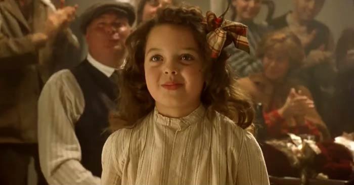 صورة هل تتذكر الفتاة كورا من فيلم تيتانيك ؟ شاهد كيف أصبح شكلها الآن بعد مرور 20 عاما