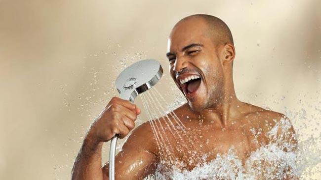 4 عادات سيئة خلال الاستحمام..يجب تجنبها