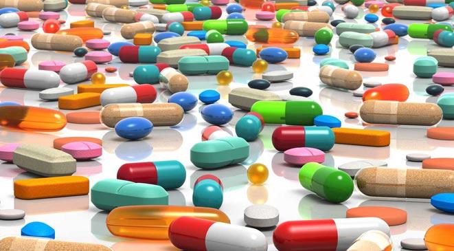 صورة نقيب الصيادلة: خفض أسعار 3 آلاف دواء في هذا الوعد