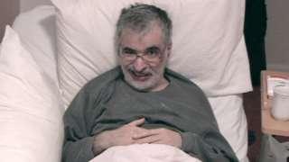 صورة بريطاني يطلب من المحكمة منحه الحق في الموت