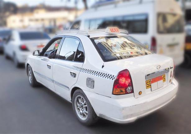 صورة القضاء الإدارى يلزم الداخلية بترخيص التاكسى الأبيض دون شرط إخطار البنك