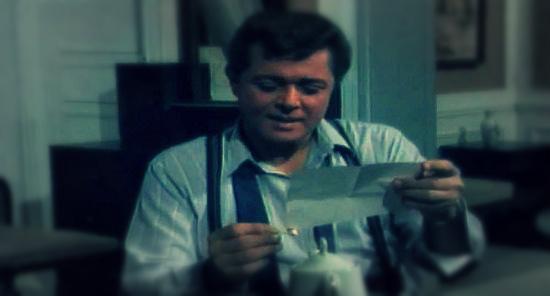 صورة بالفيديو.. أرملة «رأفت الهجان» وابنه يكشفان أخطاء المسلسل: «له ابن وابنه»