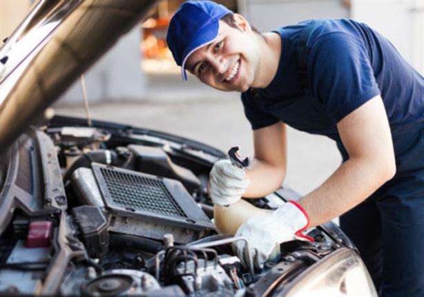 صورة خطوات لصيانة سيارتك في المنزل دون حاجة إلى ميكانيكي