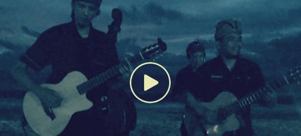 صورة بالفيديو.. فرقة إندونيسية تغني لمصري «تملي معاك»