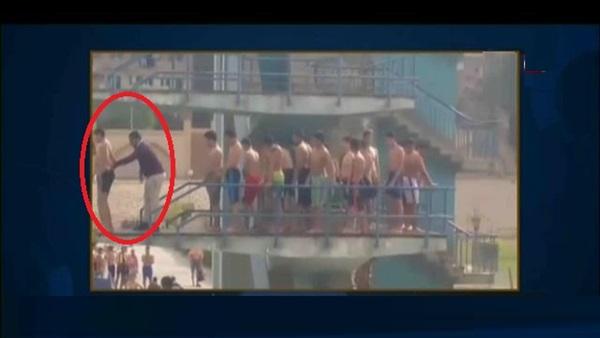صورة بالفيديو.. لحظة سقوط غريق استاد القاهرة في حمام السباحة ووفاته