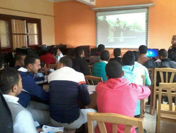 صورة ندوة تثقيف وتوعية بالمدرسة التجارية الثانوية بالحسينية