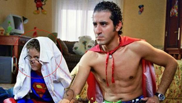 صورة «طفل زكي شان» .. قصة حب في الثالثة و طلب الزواج من مذيعة مصرية