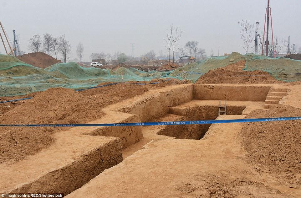 صورة حقيقة «الهرم المصري» الذي اكتشف في الصين
